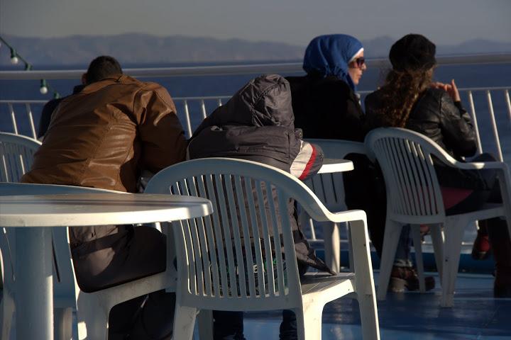 migrant-deck2