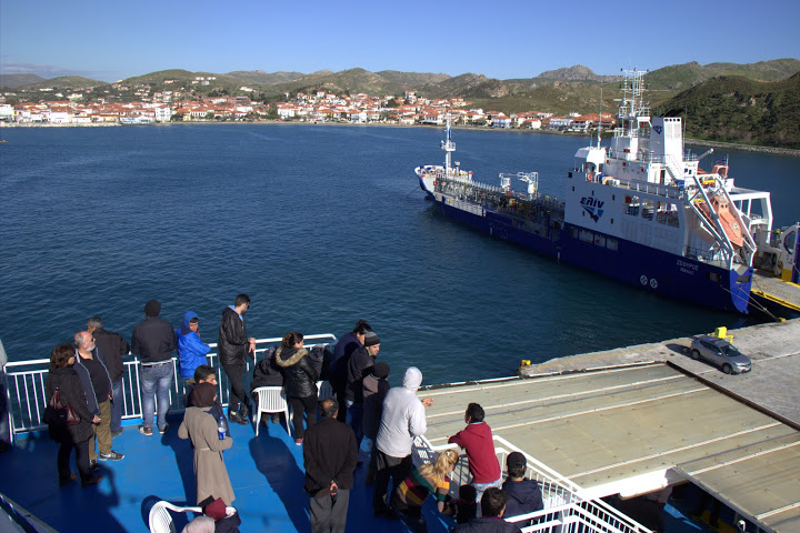 migrant-ferry-deck1